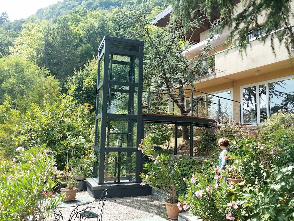 Maison à La Tronche, aménagement d'un accès PMR